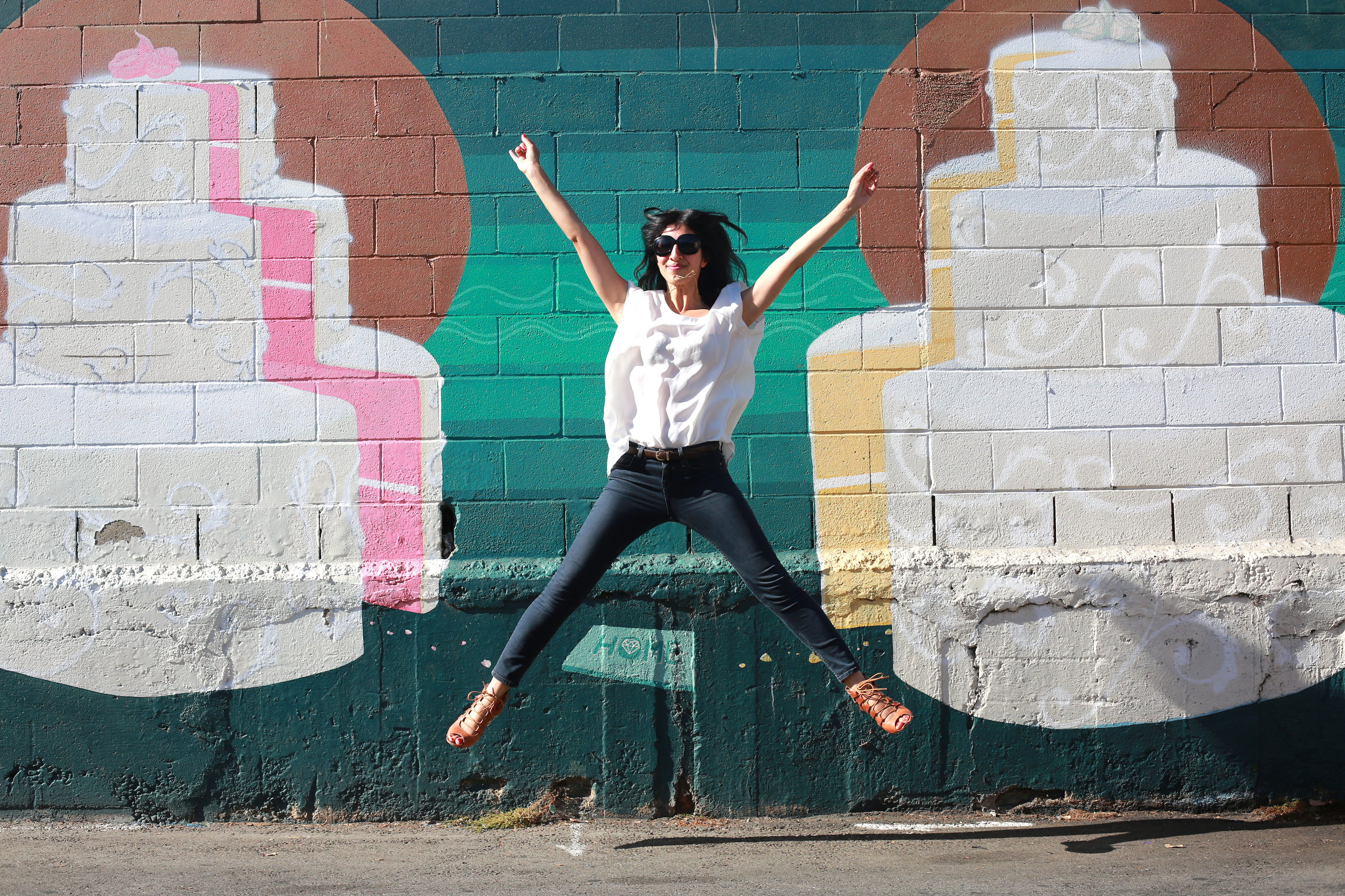 YAY! Thanks for joining me on my colorful journey through West Hollywood! Next trip: Walls of Silver Lake!