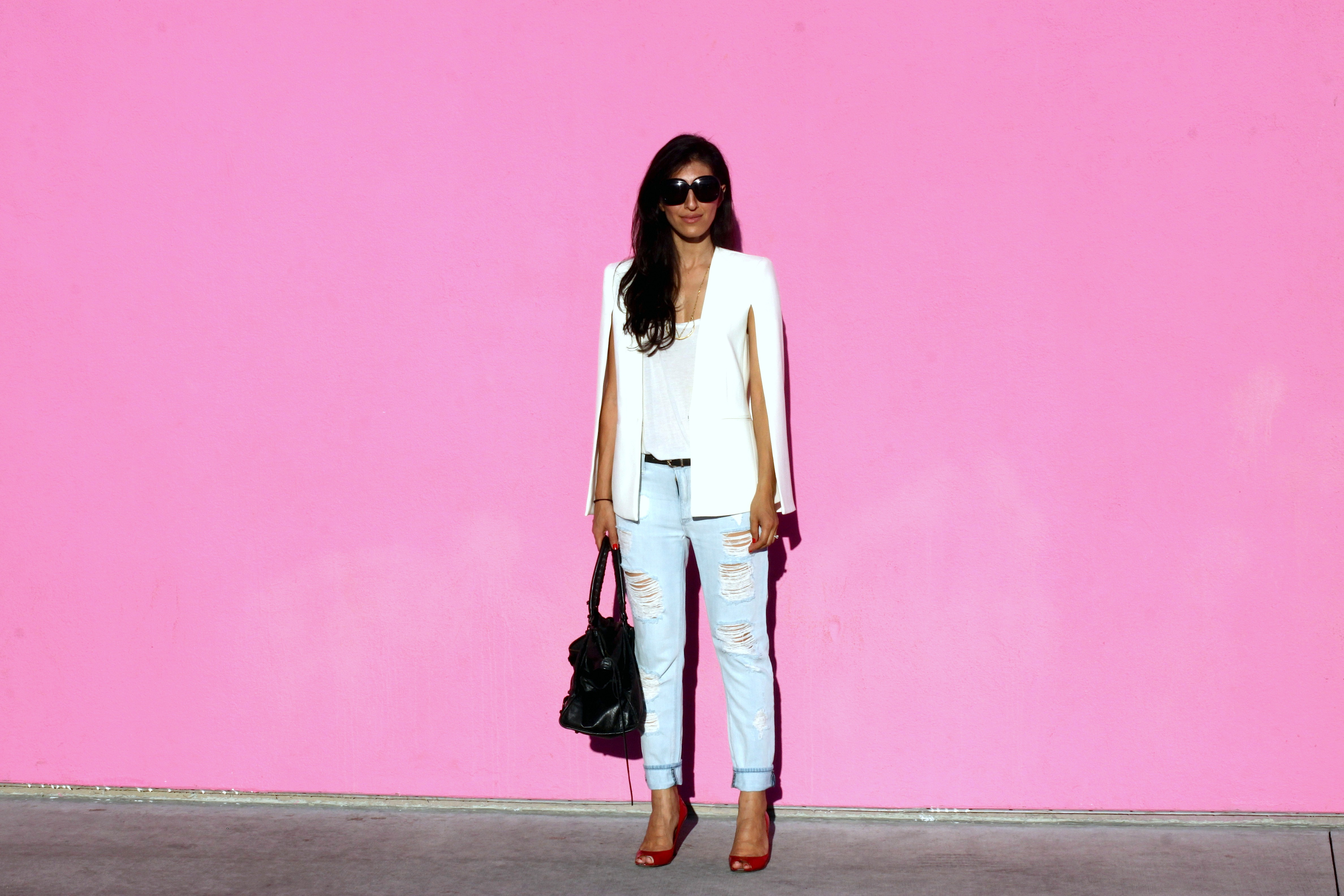 And AGAIN! :) Can't help it - I'm a girly girl and love pink walls!